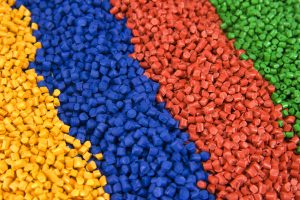 Color plastic pellets